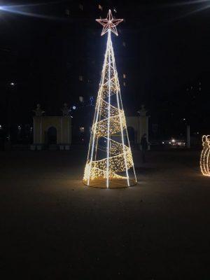 Световая елка высотой 6 метров